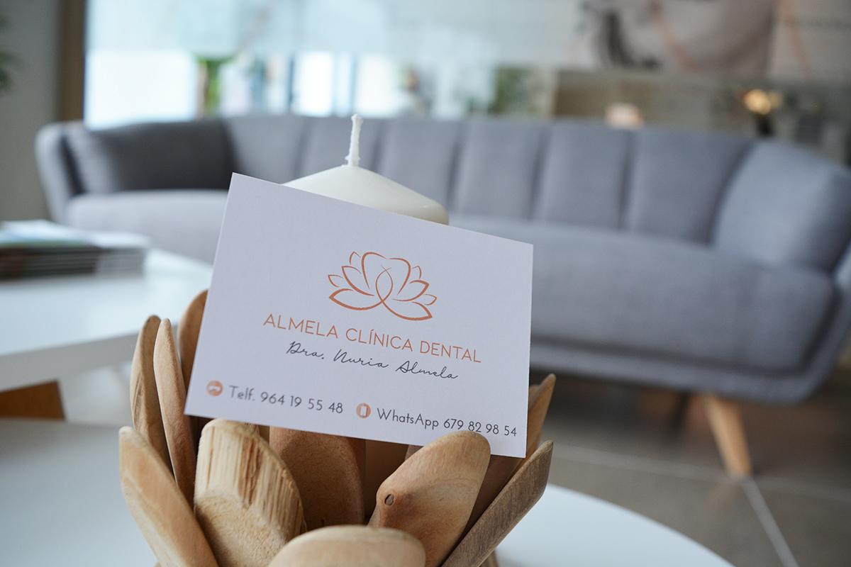 tarjeta-visita-Nuria-Almela-dentista-Castellon
